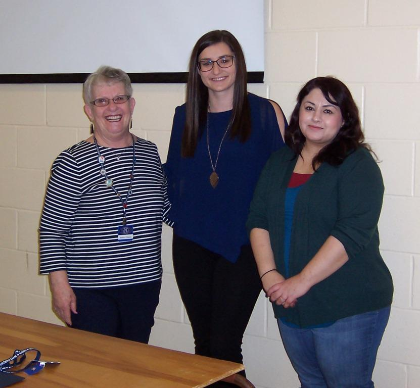 Kiwanian-Marilyn-Clauws-thanks-guest-speakers-from-CK-Suicide-Prevention-Committee