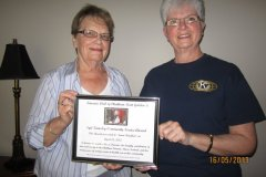 Presentation-of-2013-Syd-Kemsley-Award-to-Kiwanian-Janet-Braddon